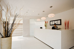 Well_lit,expansive_reception_area_with_a_minimalist_design_approach_at_urban_hot