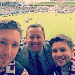 Tim Hinchey III, Thomas & Oliver