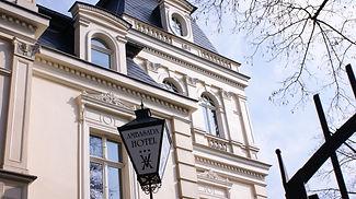 Widok na Hotel Bolesławiec Ambasada - Bolesławiec  Hotel Ambasada - Hotel w Bolesławcu widok na miasto Ceramiki