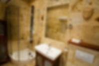 Dusche im Marmorbad