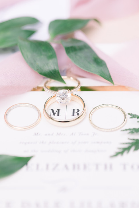 Toon ring with green.jpg