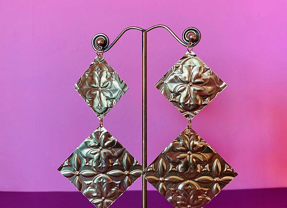 Statement Femmes earrings #6