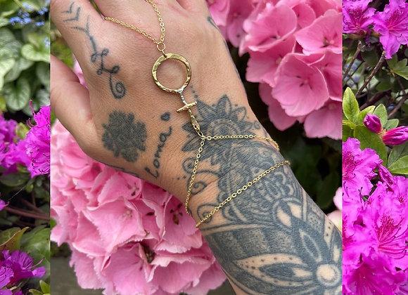 Venus hand bracelet