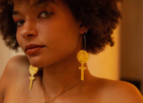 Venus statement earring - brass