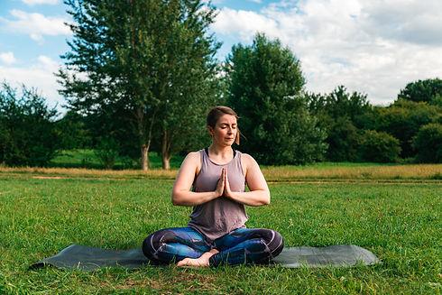 Jade X Yoga Shoot-8117.jpg