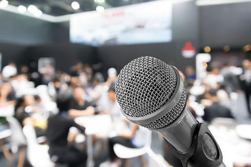 Primer plano del micrófono