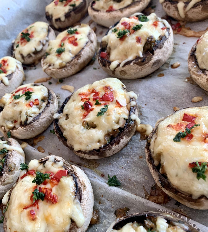 Ciuperci umplute cu spanac si feta - 13 buc. aprox. 600 grame