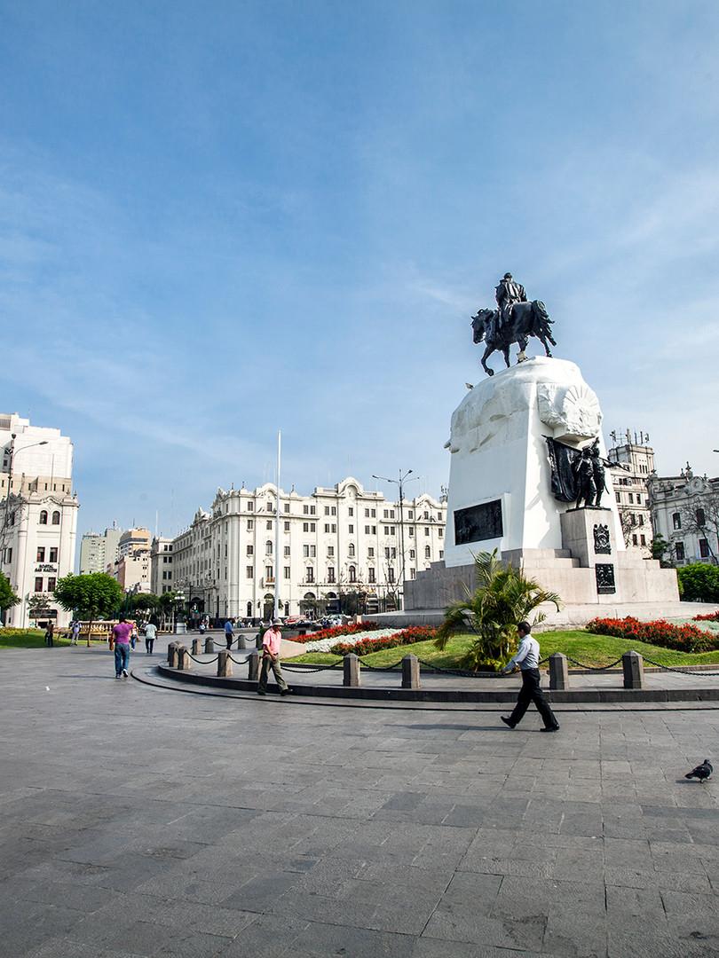 Plaza San Martin 2.jpg