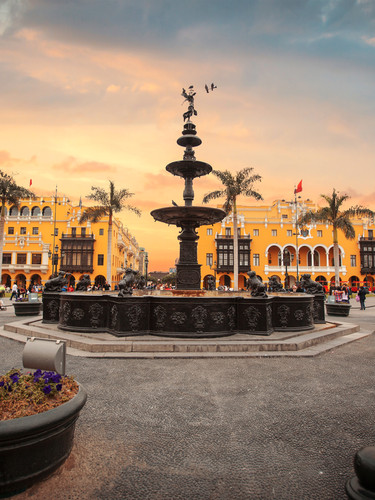 Lima Main Square - copia.jpg