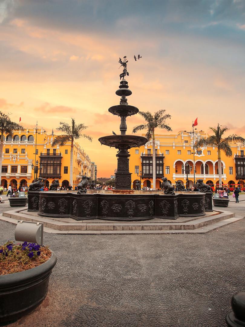 Lima Main Square - copia.jpg