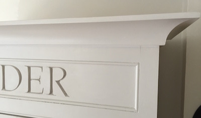 Curved cornice shaker kitchen