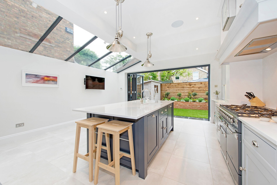 10 STEPS TO DESIGNING A CONTEMPORARY SHAKER KITCHEN