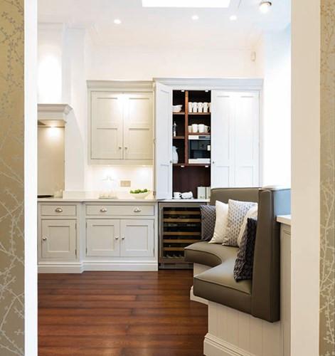 Under wall cabinet spot lights
