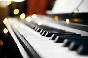 piano-keys-with-beautiful-yellow-lights-