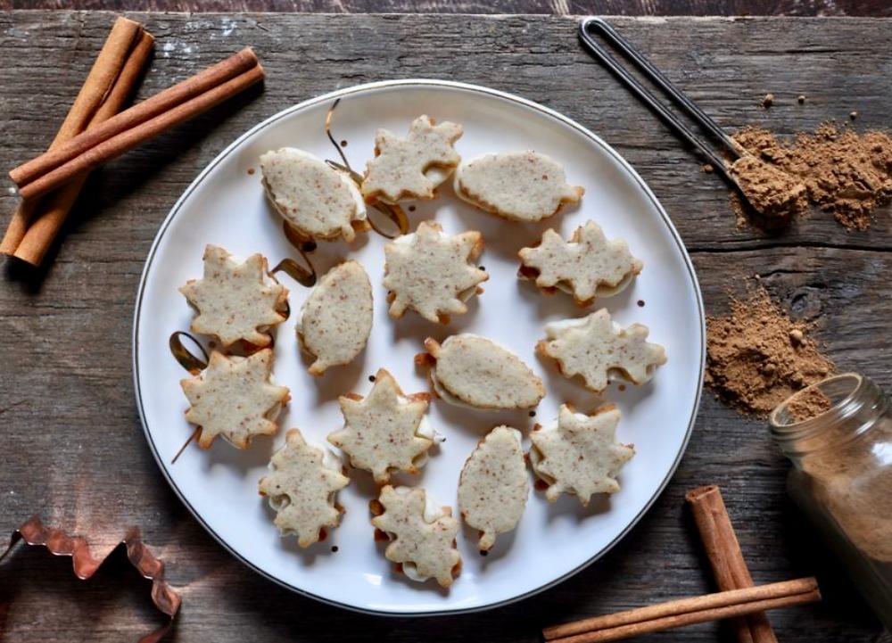 Low Carb Maple Cream Cookies