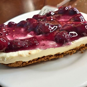 Low Carb Blueberry Cheesecake with Nut Crust