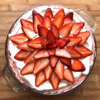 Strawberry Cheesecake Fluff Pie