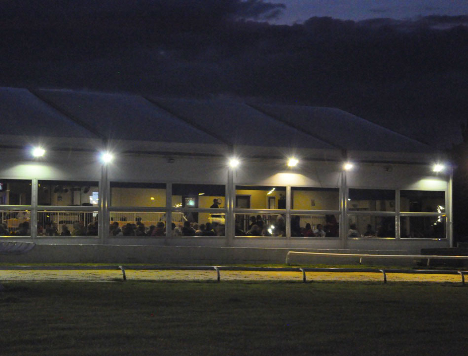The Winning Post Resturant at night from the track 02.jpg
