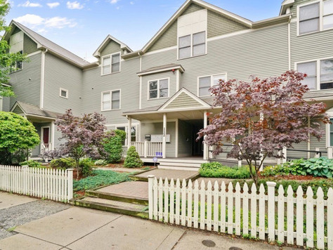 Great 2-bed condo in the heart of Somerville