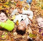 herfstbladeren_spelen (Small).jpg