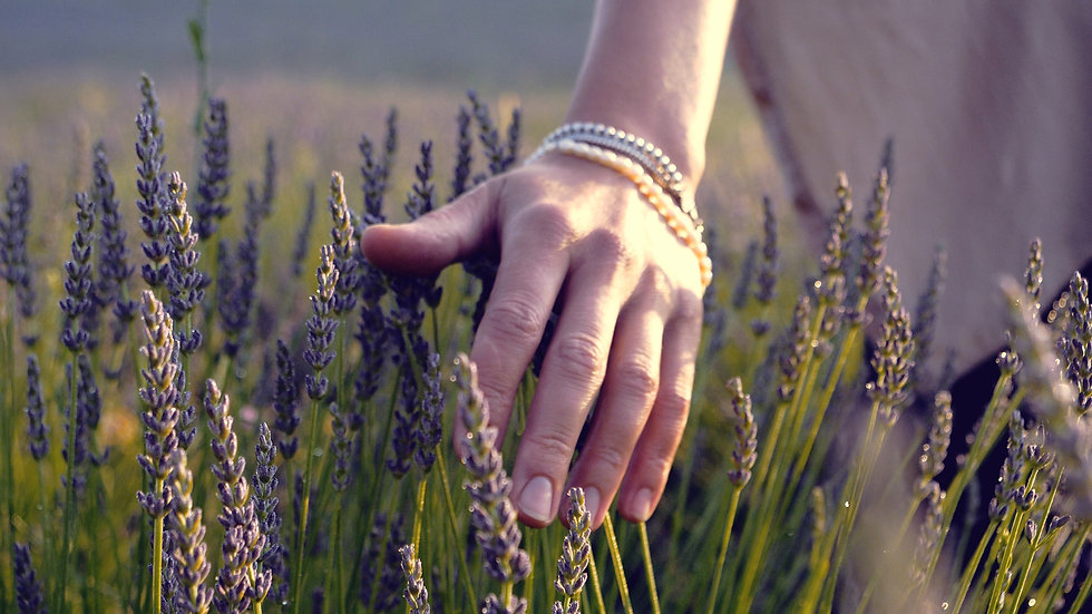 BioThrive | Essential Oils | How to Use | Background
