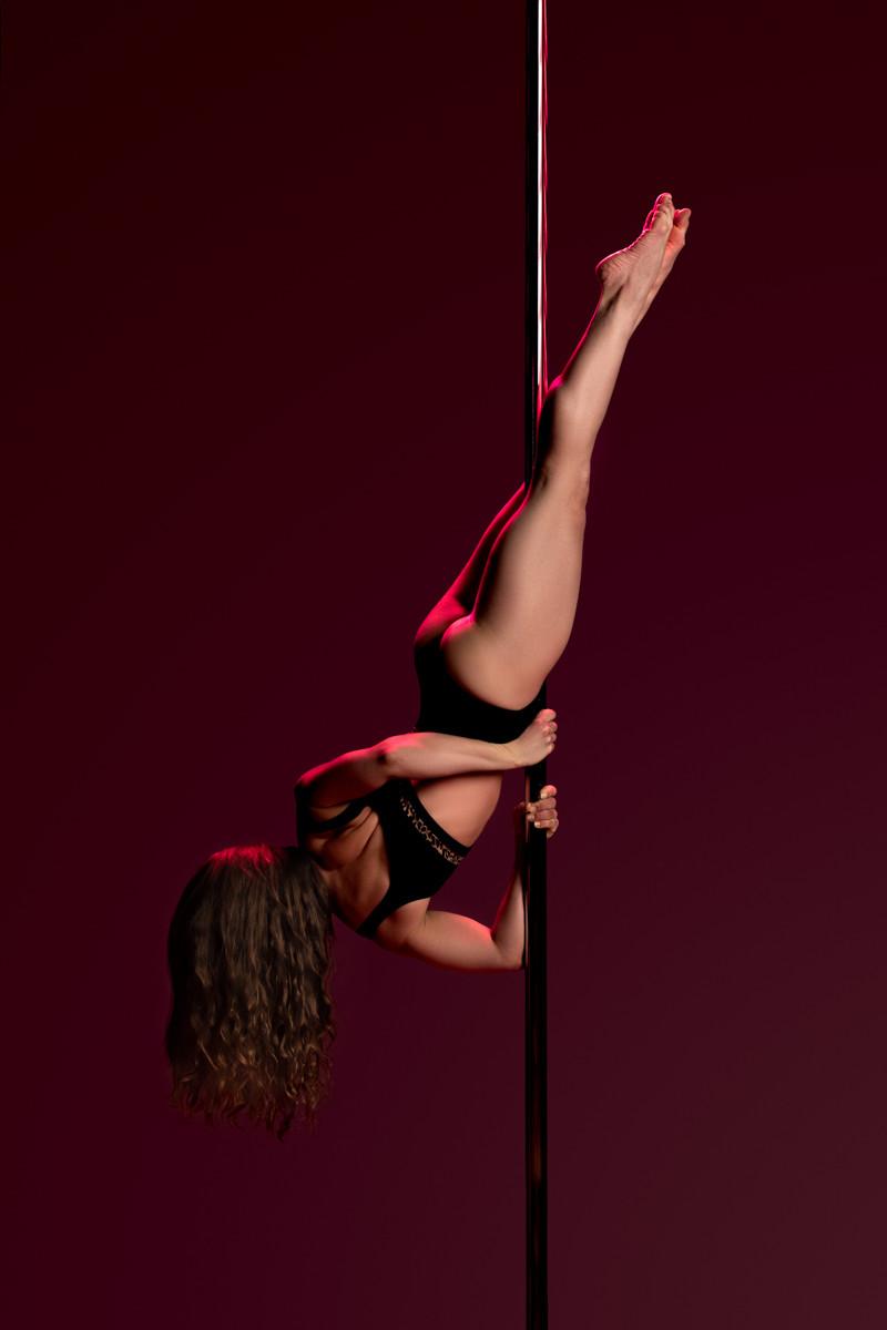 Pole_Dance_Mermaid_Tail.jpg