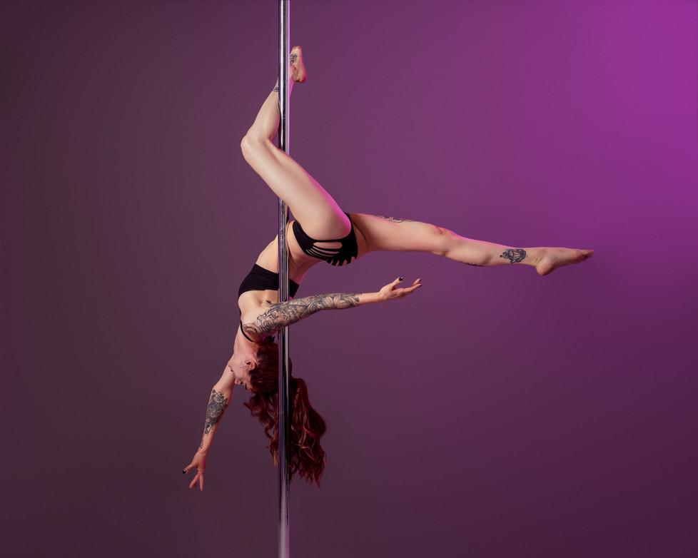Pole_Dance_Gemini.jpg
