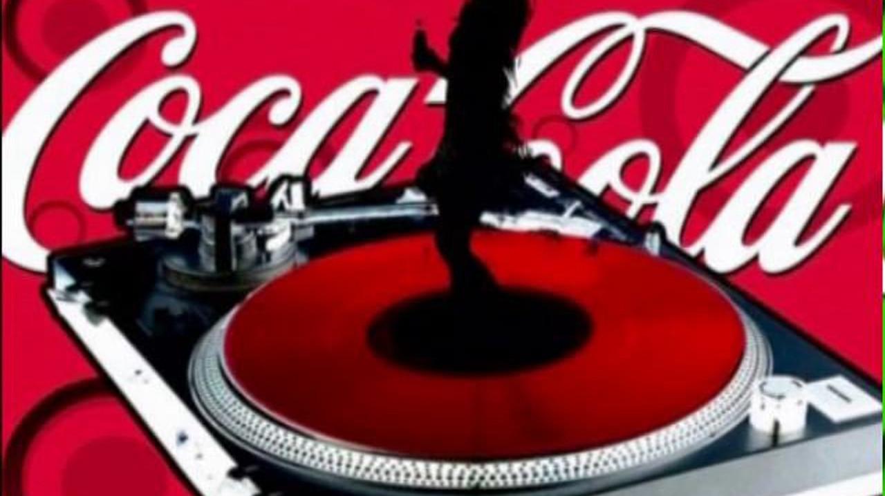 Coca-Cola. 1 minute Visuals