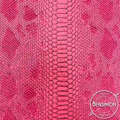 Simili cuir peau crocodile komodo fuchsia rose