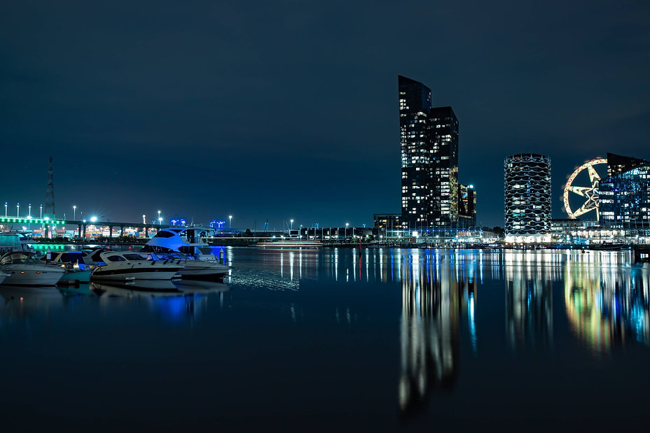 architecture-boats-bridge-2947088 (1).jp