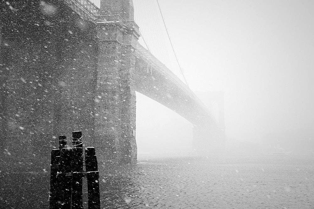 I haven't manage to shoot much in the current snow so here's one of the Brooklyn Bridge from last year