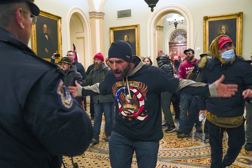 Trump supporters in the Capitol in Washington (AP Photo/Manuel Balce Ceneta)