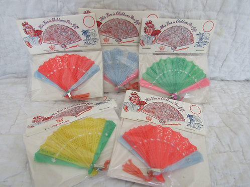 Vintage Plastic Fans toys or favors new in the original package lot of 5