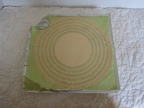 5 Vintage 1920's Paper Doilies 9 inch round in original package Roylies