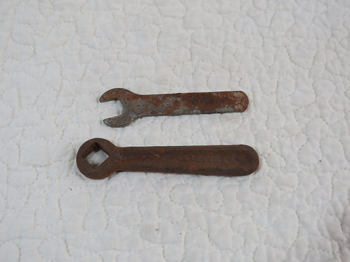 2 Wrenches Small Vintage