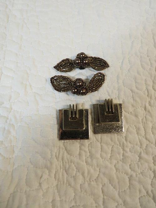 2 sets of shoe clips Vintage items