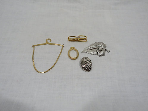 Jewelry lot 5 pieces scarf clips