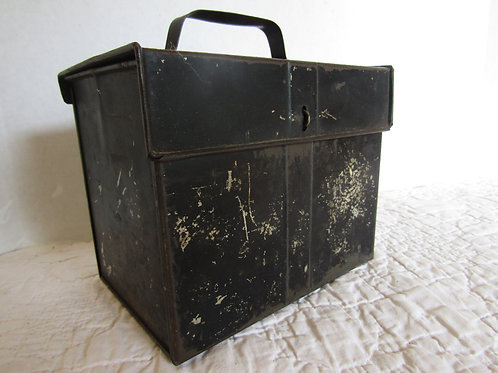 Lunch Box Antinque industrial