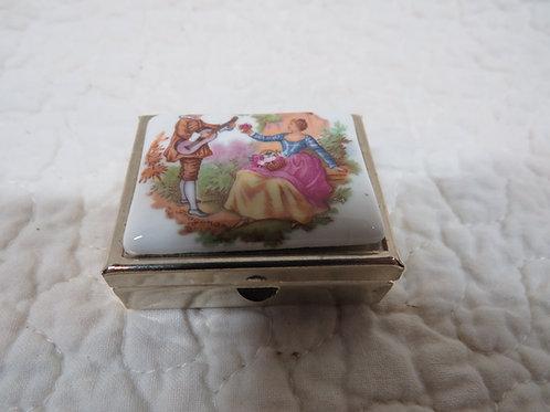 Pill Box Fragonard vintage