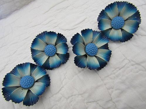 4 Vintage Drapery Pins Blue Flowers