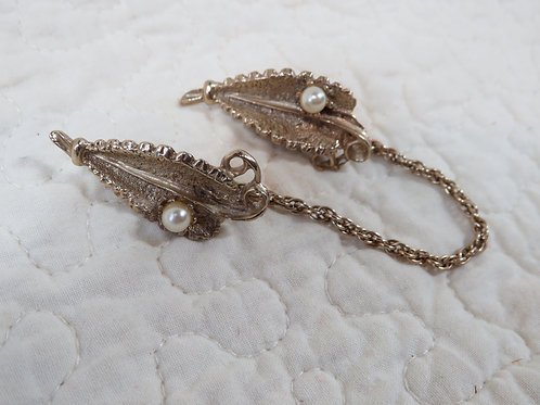 Sweater Clip / Sweater Guard faux pearl Vintage