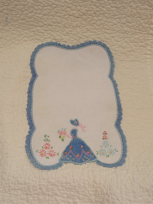 Doily Embroidered and appliqued Vintage