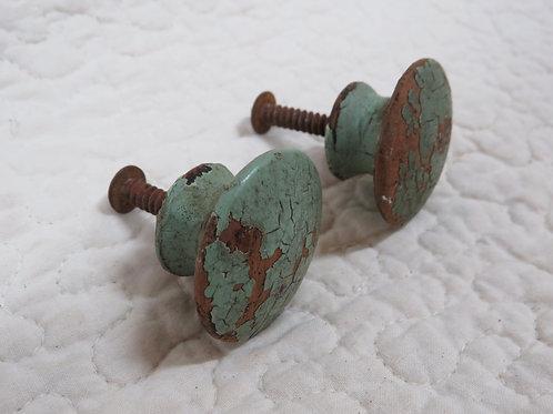 2 wood pulls / knobs Vintage