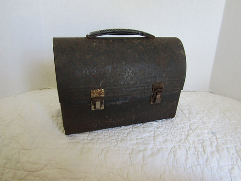 Vintage Rusty Dome Top Lunch Box