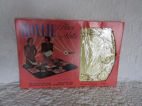 Vintage Roylie Paper Lace Place Mats Full Box of 45 NOS