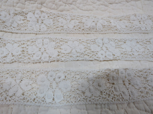 """Off White Lace 2 3/4 yards x 1 3/8"""" Vintage"""