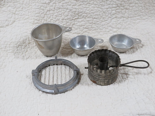 5 Kitchen Tools metal Vintage Lot
