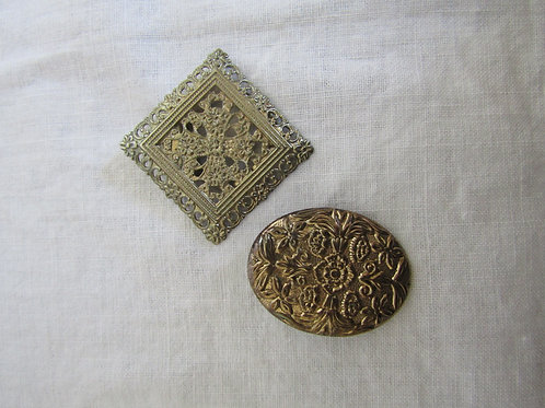 2 Scarf Clips Vintage Items