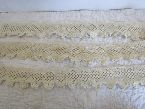 Wide Lace Trim 1 5/8 yards x 2 3/8 inches vintage sewing craft