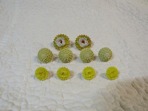 10 Drapery pins Yellows Vintage Items